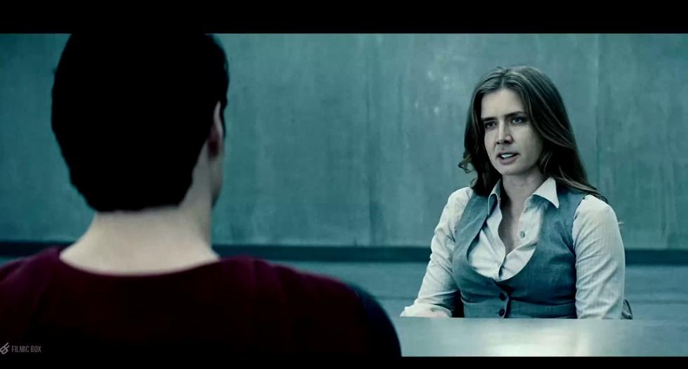 la cara de Nicolas Cage remplazando a Amy Adams en Superman