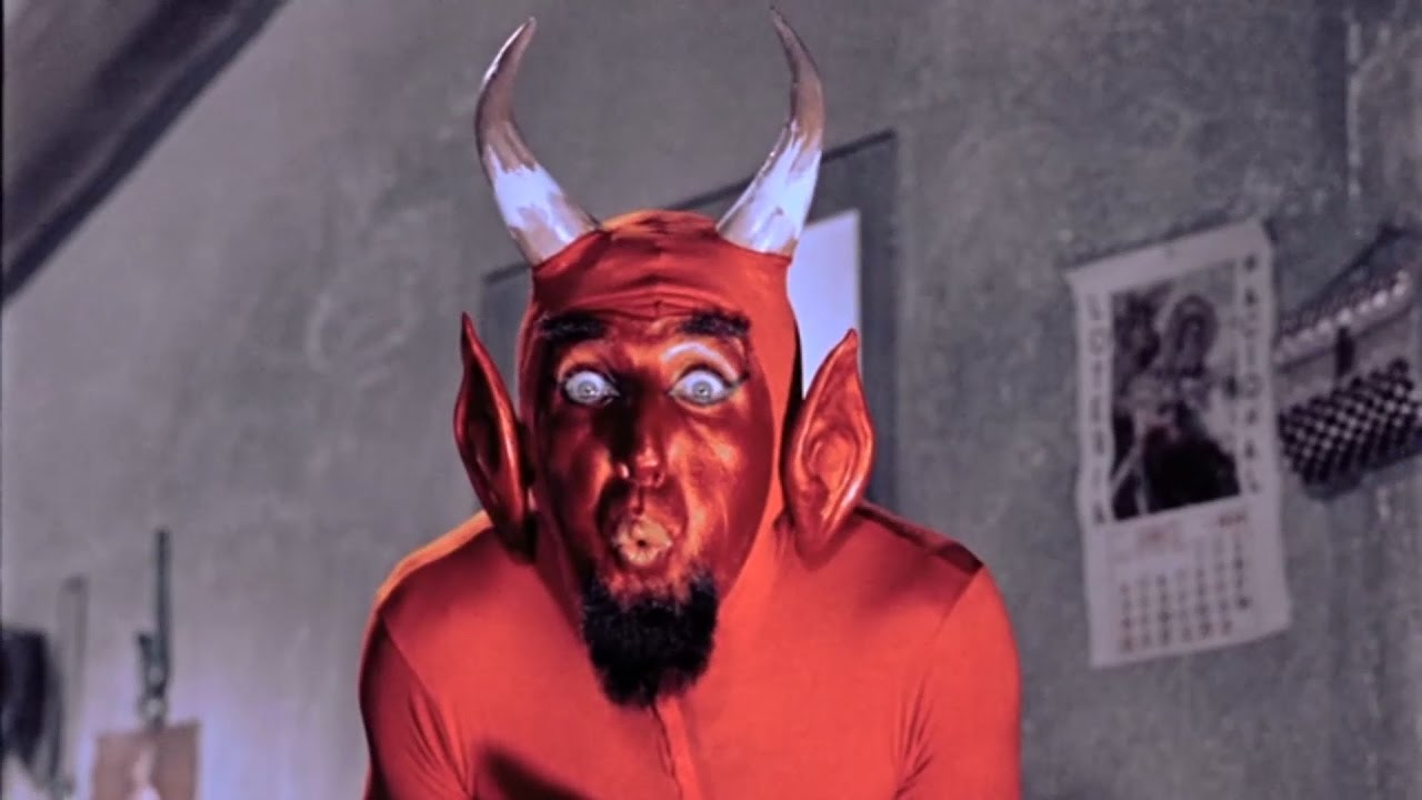 Fotograma del diablo en Santa Claus
